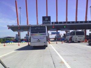 Gerbang Tol Mertapada