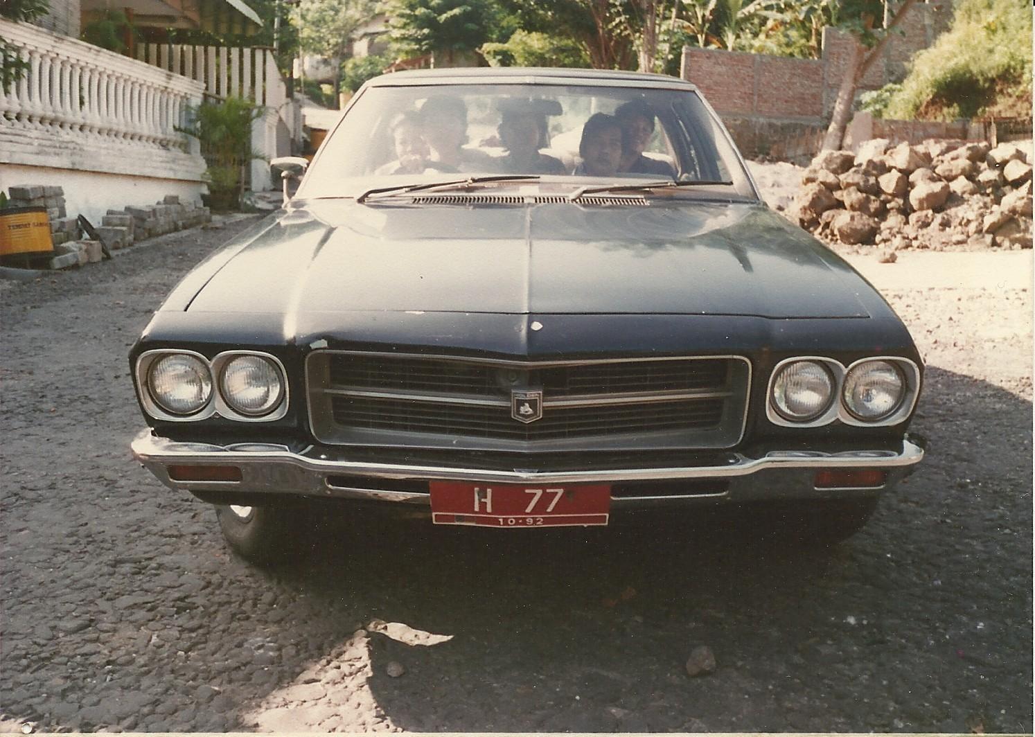 Inilah foto Holden Premier