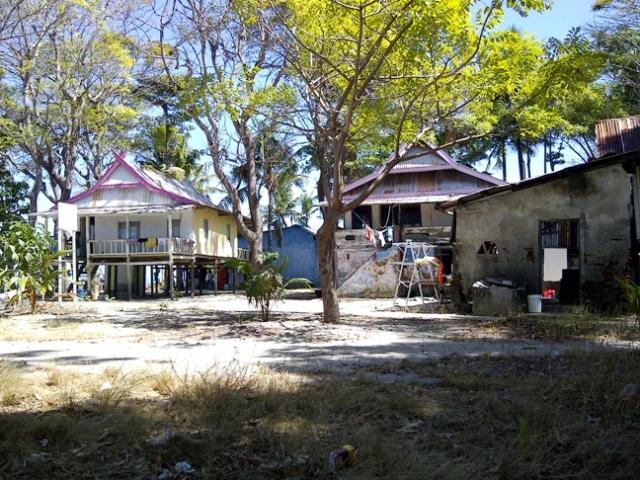 Suasana di tengah pulau