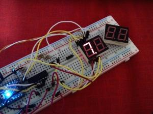 Tampilan stabil dgn shift register per digit