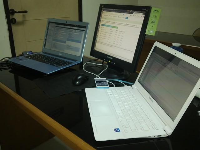 Meja kerja saya saat ini