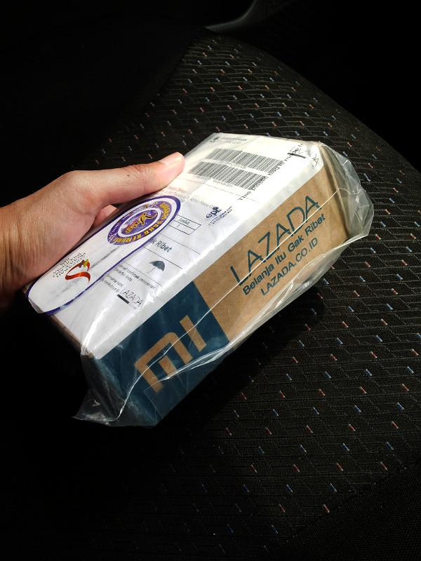 Paket dari Lazada yg rapi dengan box khusus