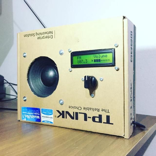 Radio Kotak Kardus